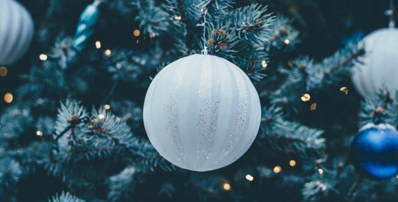cómo adornar un árbol de navidad