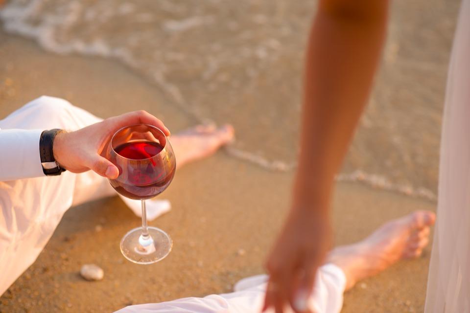 cómo quitar manchas de vino