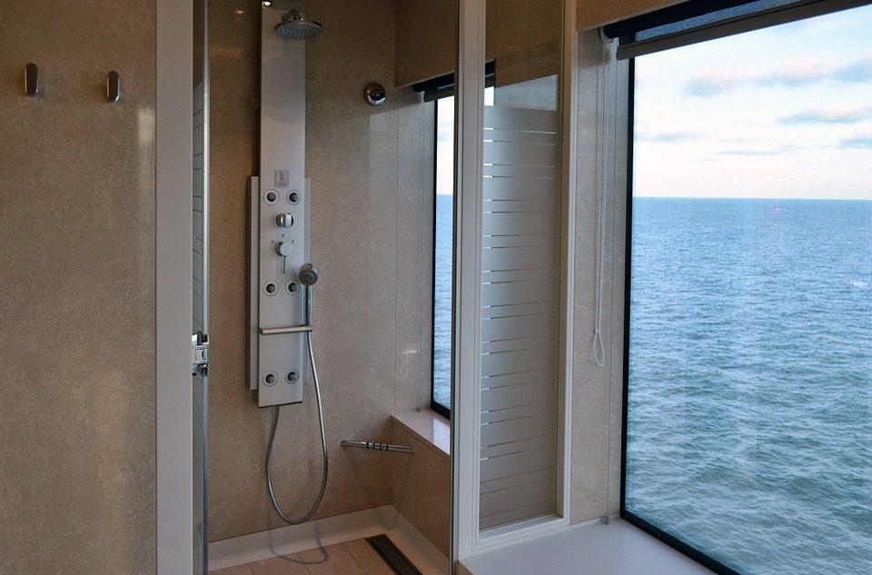 Como limpiar una mampara muy sucia affordable limpiar - Como limpiar la mampara de la ducha ...