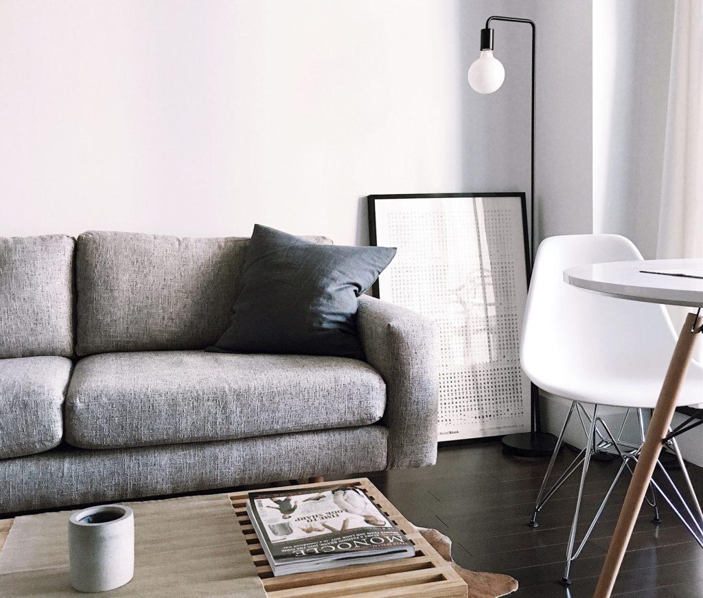 limpiar un sofá de tela