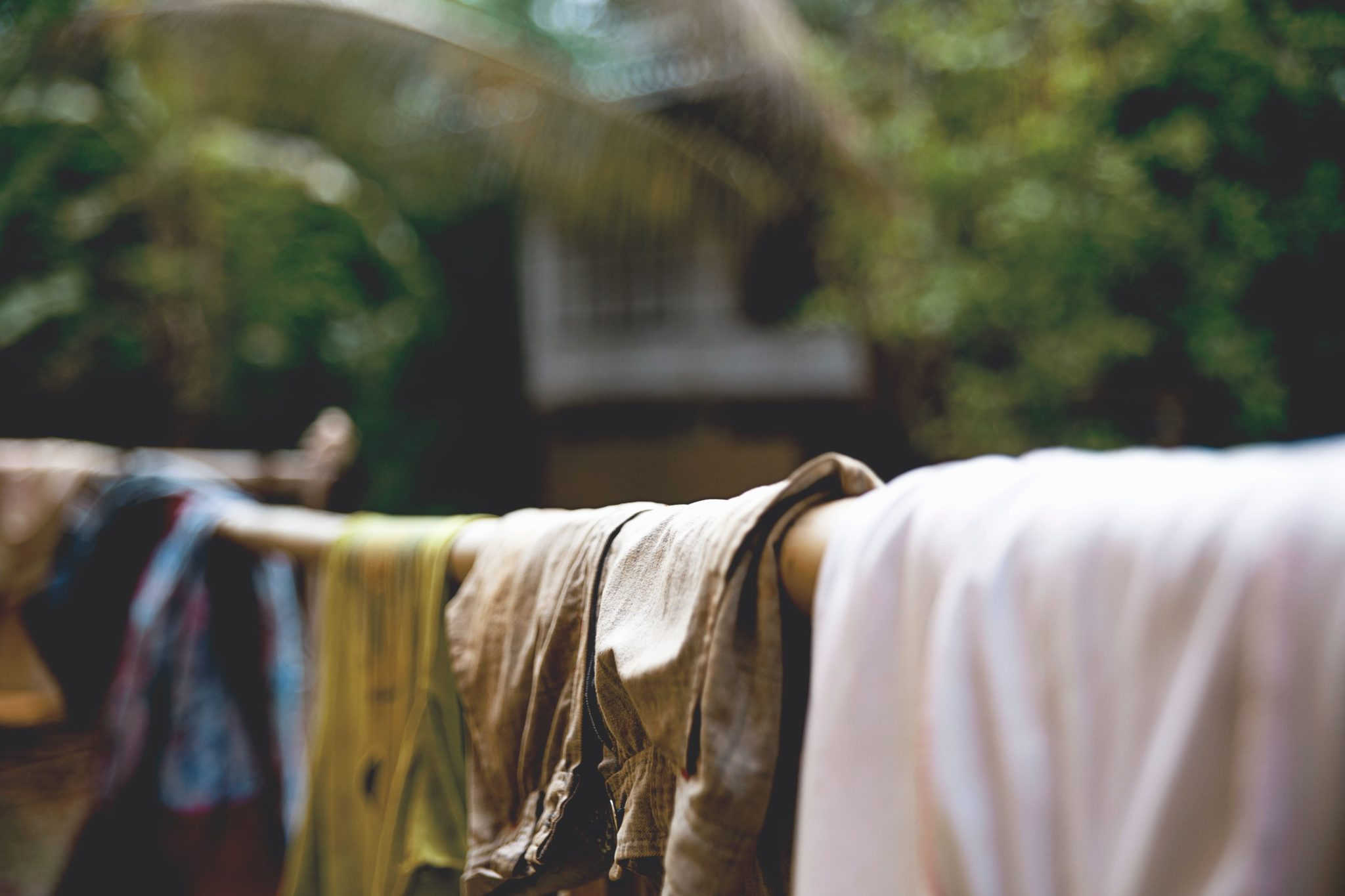 remove rust stains from clothes