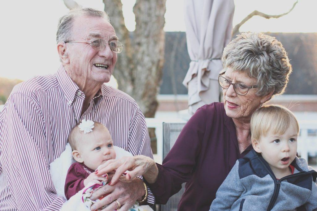 viajar con personas mayores