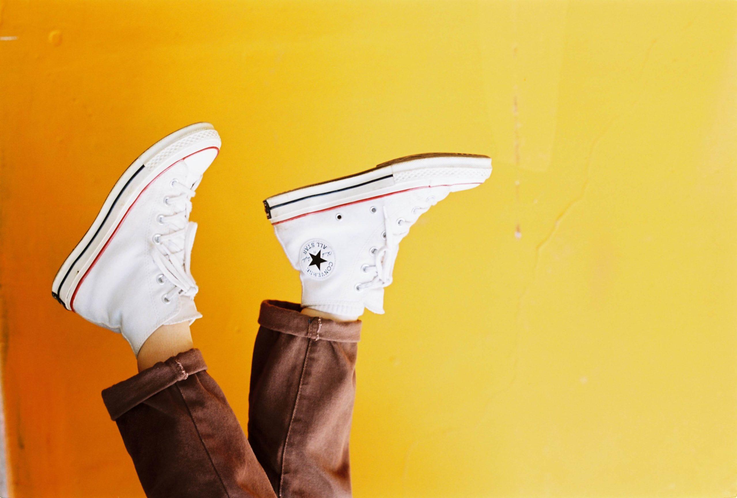 Cómo lavar zapatillas de tela