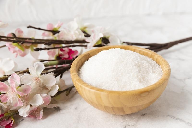 limpiar un sofa con sal
