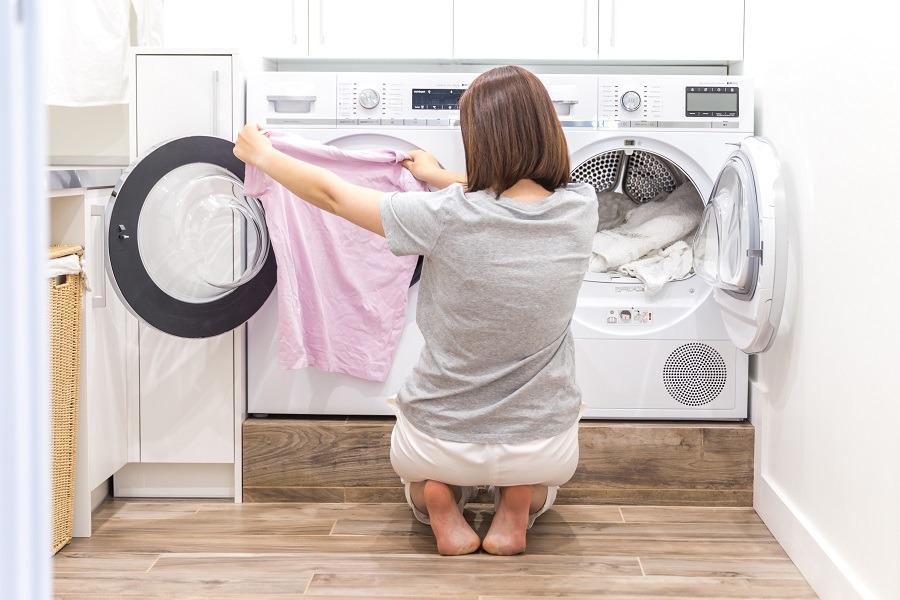 como quitar manchas de sudor en la ropa