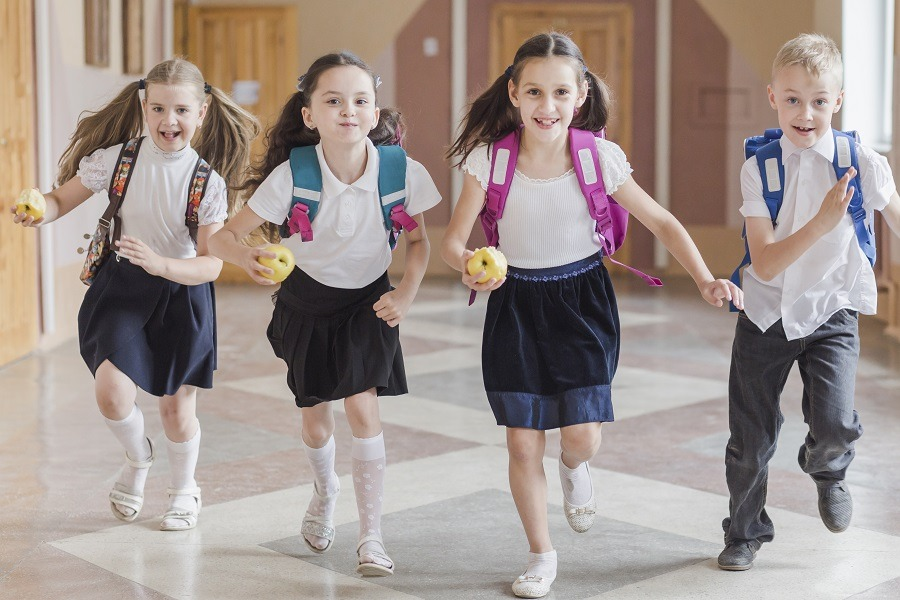 limpiar uniformes del colegio