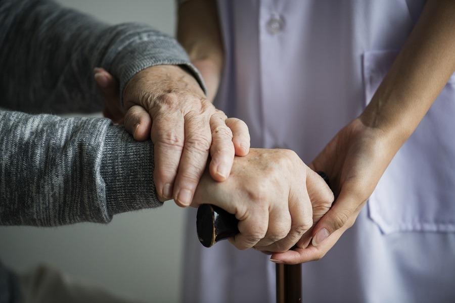 ventajas del cuidado de personas mayores a domicilio